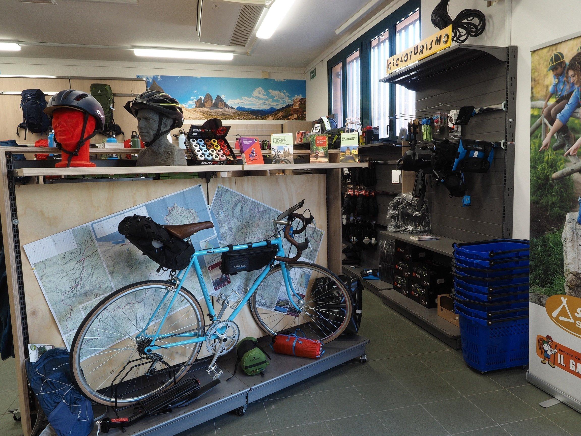 Viaggare in bicicletta: cosa portare e cosa non portare