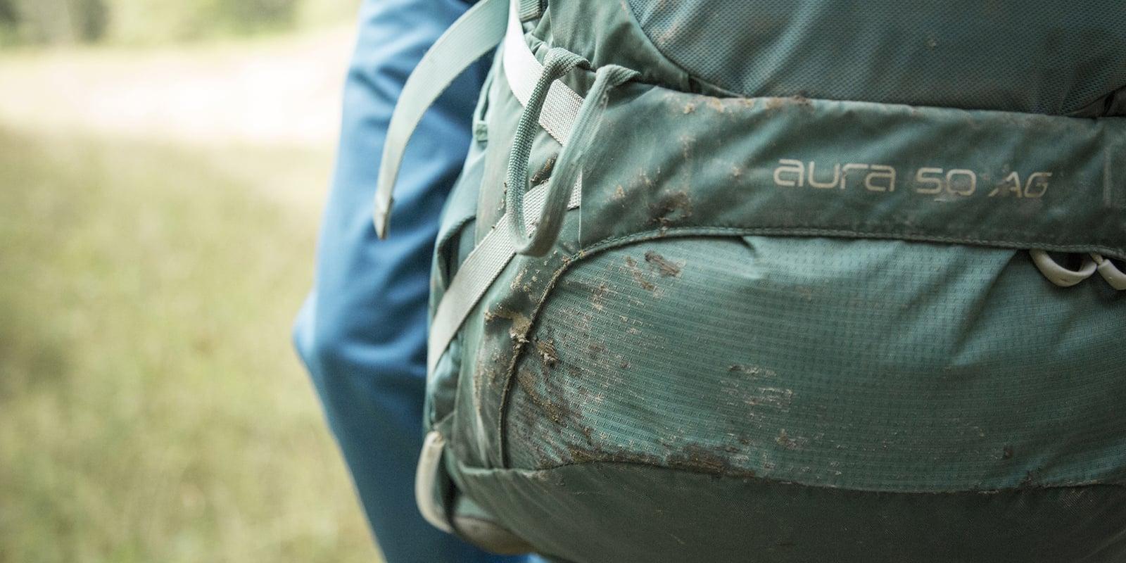 Come lavare lo zaino dopo una escursione?